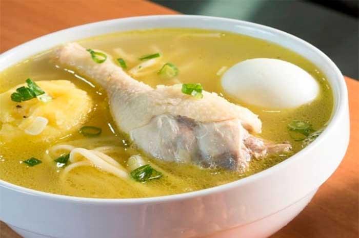 como preparar caldo de gallina